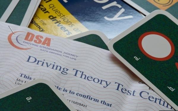 Người học lái xe tệ nhất thế giới: Thi 157 lần vẫn trượt, đã tốn hơn trăm triệu lệ phí thi - ảnh 1