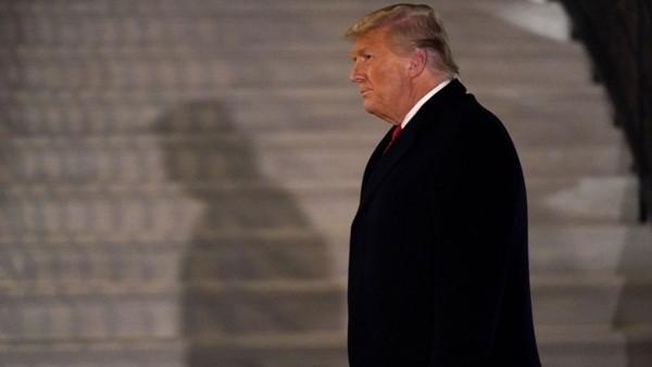 Bị luận tội hai lần, có phải Tổng thống Trump không được tái tranh cử và bị cắt lương hưu? - ảnh 1