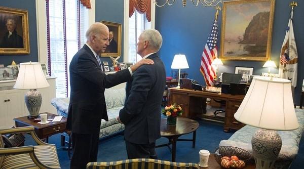 """Tổng thống Trump không dự Lễ Nhậm Chức của ông Biden, nhưng đây là lý do """"phó tướng"""" Mike Pence vẫn giúp chuyển giao - ảnh 3"""