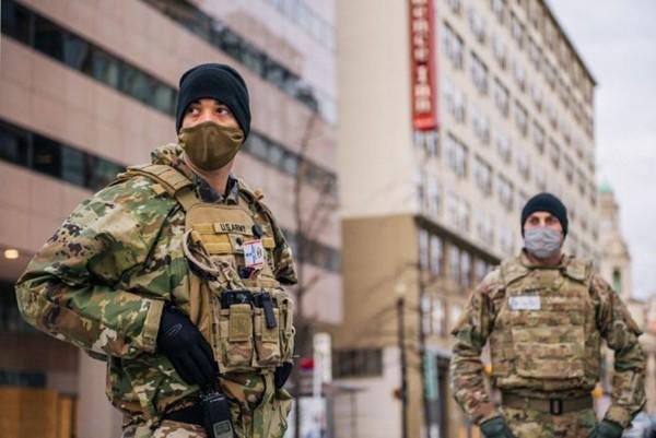 Vệ binh Quốc gia ở Điện Capitol phải học thêm một kỹ năng mới để bảo vệ Lễ Nhậm Chức của ông Joe Biden - ảnh 2