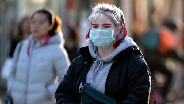Biến thể SARS-CoV-2 mà nữ công nhân Hải Dương nhiễm dễ lây cho trẻ em hơn, vì sao vậy? - ảnh 1
