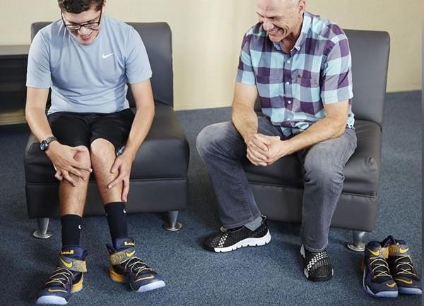"""Câu chuyện kỳ diệu đằng sau đôi giày """"không cần chạm tay"""" đầu tiên của hãng Nike - ảnh 2"""