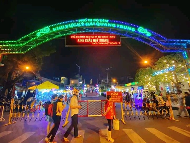 Hẹn hò Sài Gòn: Lạc lối ở thiên đường ẩm thực và mua sắm tại phố đi bộ Kỳ đài Quang Trung - ảnh 1