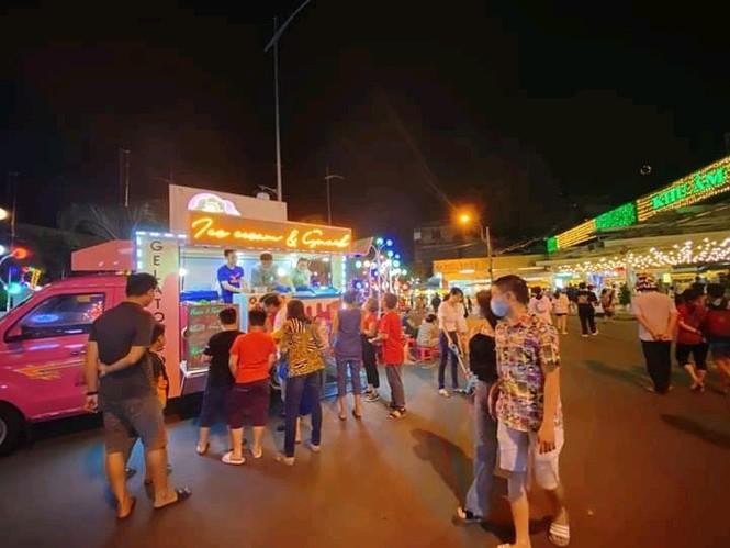 Hẹn hò Sài Gòn: Lạc lối ở thiên đường ẩm thực và mua sắm tại phố đi bộ Kỳ đài Quang Trung - ảnh 2