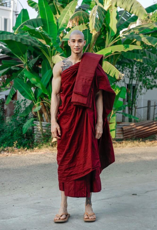 """Vẻ đẹp của nam mẫu Myanmar được ví như """"Aquaman châu Á"""" khiến dân mạng náo loạn - ảnh 1"""