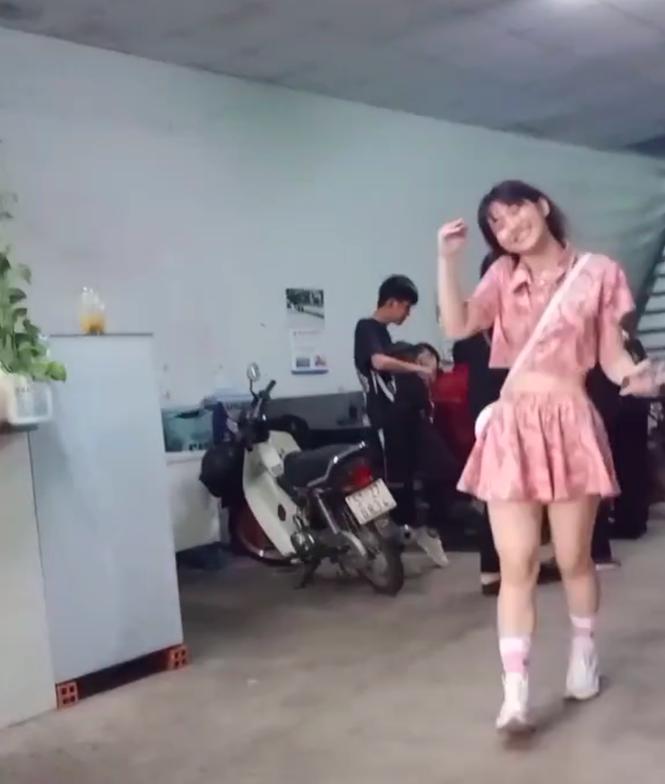 Lê Bống đăng clip đáp anti-fan, Linh Ka thăng hạng nhan sắc khoe vòng eo con kiến - ảnh 3