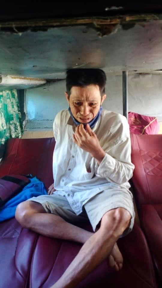 Người đàn ông phụ hồ bật khóc vì mất 32 triệu về quê ăn Tết và cái kết ấm lòng - ảnh 1