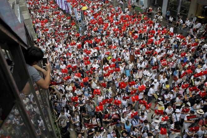 Toàn cảnh cuộc biểu tình lớn nhất ở Hong Kong trong 15 năm qua - ảnh 3