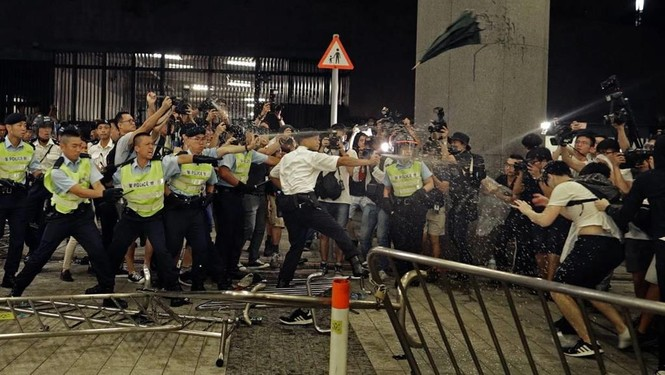 Toàn cảnh cuộc biểu tình lớn nhất ở Hong Kong trong 15 năm qua - ảnh 5