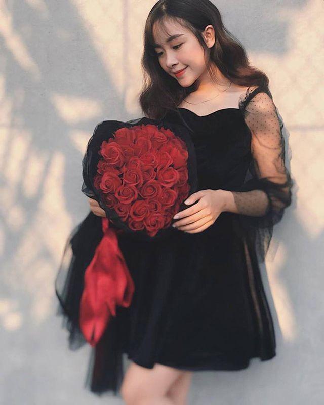 Cô giáo mầm non xinh đẹp bị đồn yêu Phan Văn Đức là ai? - ảnh 11