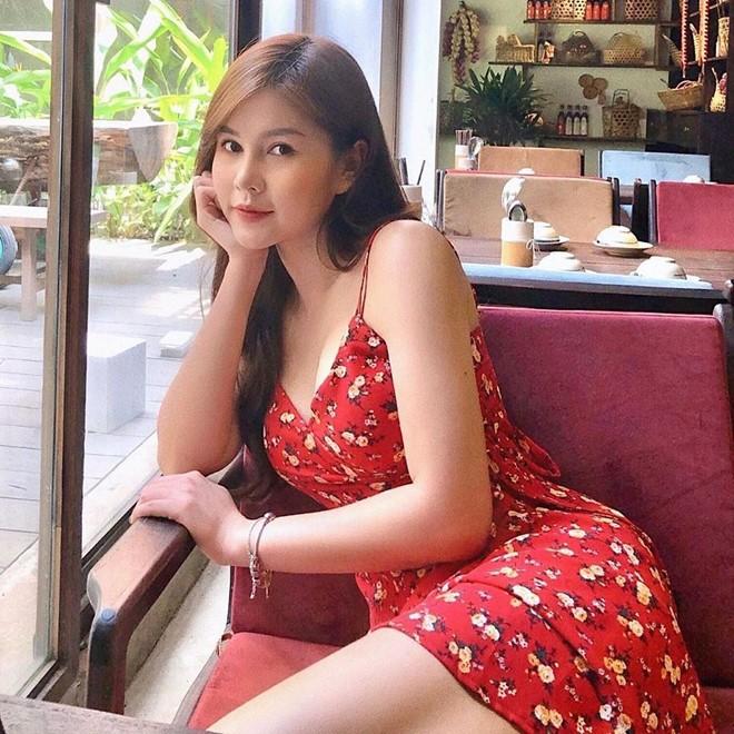 Dàn hot girl U30 còn độc thân, sở hữu vẻ ngoài 'ăn gian' tuổi - ảnh 10