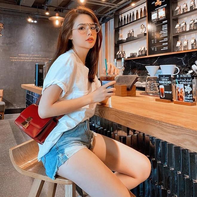 Dàn hot girl U30 còn độc thân, sở hữu vẻ ngoài 'ăn gian' tuổi - ảnh 9