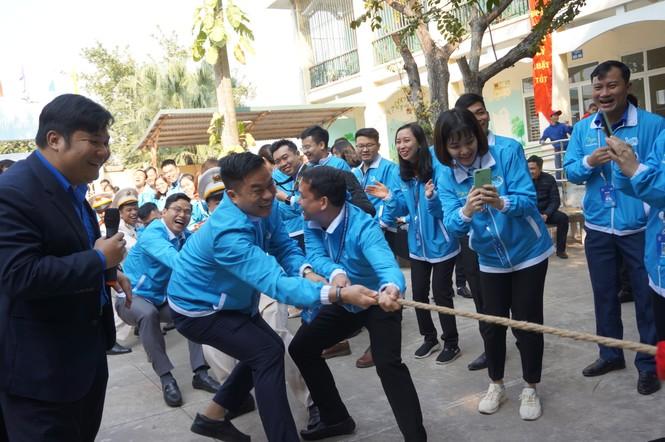 Mang tiếng cười đến trẻ khuyết tật trường Chuyên biệt Bình Minh - ảnh 5