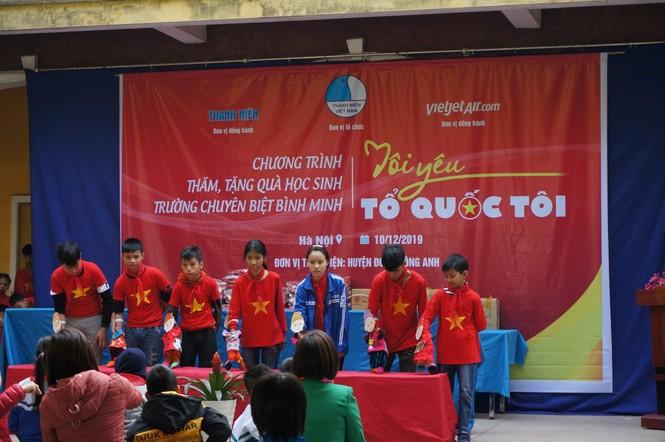 Mang tiếng cười đến trẻ khuyết tật trường Chuyên biệt Bình Minh - ảnh 1