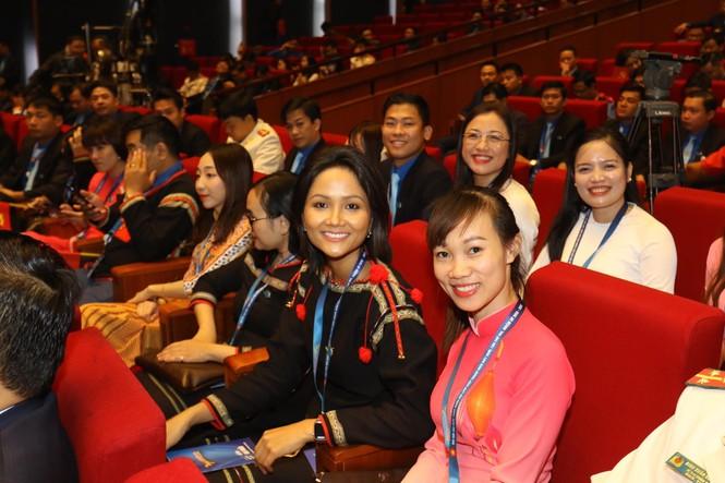 Đa dạng sắc màu dân tộc tại Đại hội Hội LHTN Việt Nam lần thứ VIII - ảnh 8