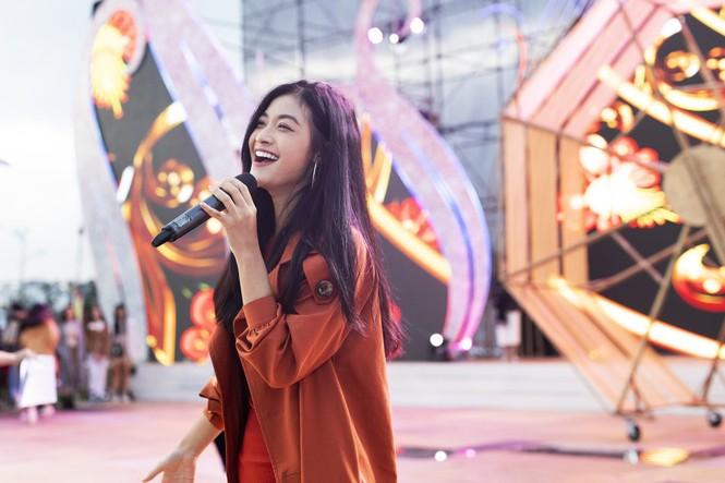 Tóc Tiên cháy hết mình trên sân khấu hoành tráng của đạo diễn Hoàng Nhật Nam - ảnh 5