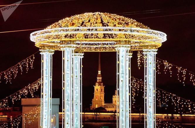 Saint-Peterburg lộng lẫy đón Giáng sinh và năm mới 2020 - ảnh 9
