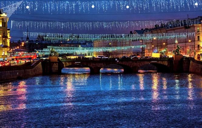 Saint-Peterburg lộng lẫy đón Giáng sinh và năm mới 2020 - ảnh 10