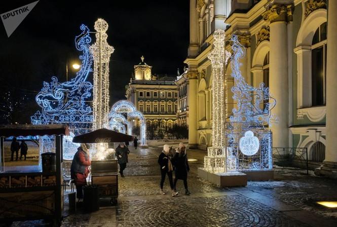 Saint-Peterburg lộng lẫy đón Giáng sinh và năm mới 2020 - ảnh 11