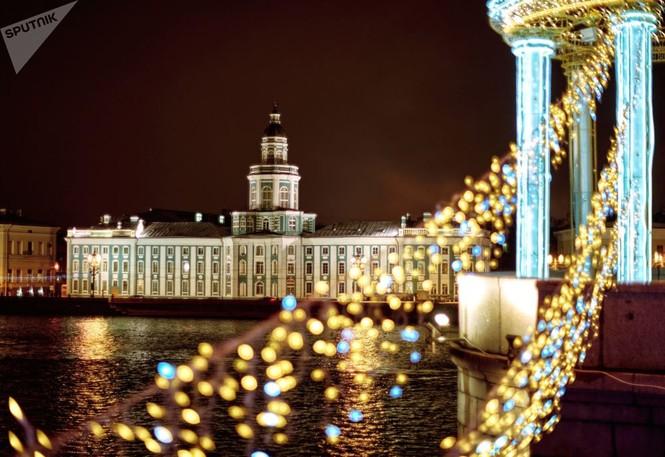 Saint-Peterburg lộng lẫy đón Giáng sinh và năm mới 2020 - ảnh 1