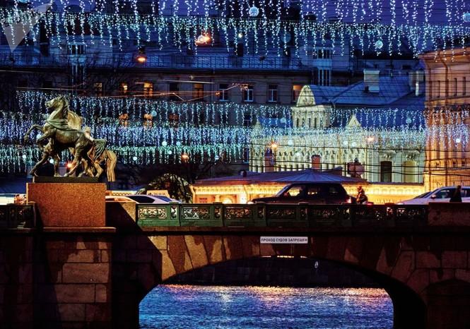 Saint-Peterburg lộng lẫy đón Giáng sinh và năm mới 2020 - ảnh 2