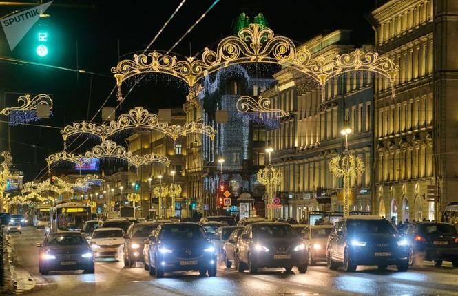 Saint-Peterburg lộng lẫy đón Giáng sinh và năm mới 2020 - ảnh 4