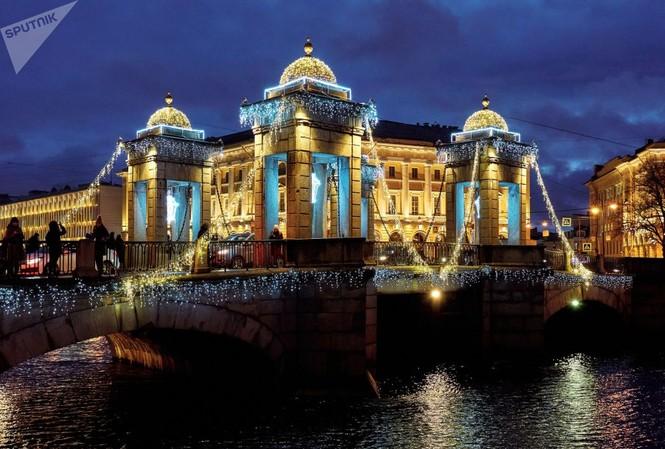 Saint-Peterburg lộng lẫy đón Giáng sinh và năm mới 2020 - ảnh 5