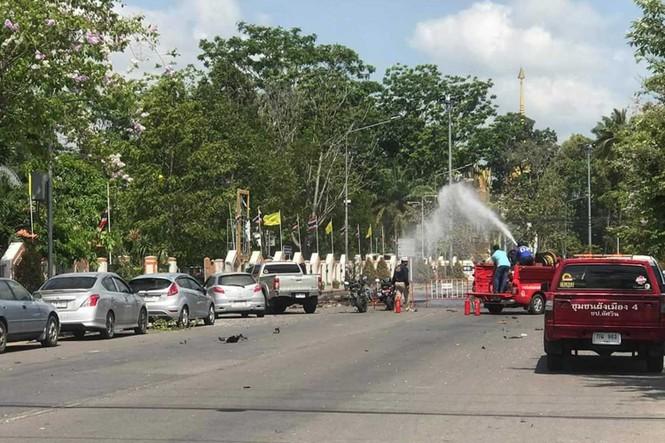 Nổ bom liên tiếp tại miền Nam Thái Lan, 25 người bị thương - ảnh 3