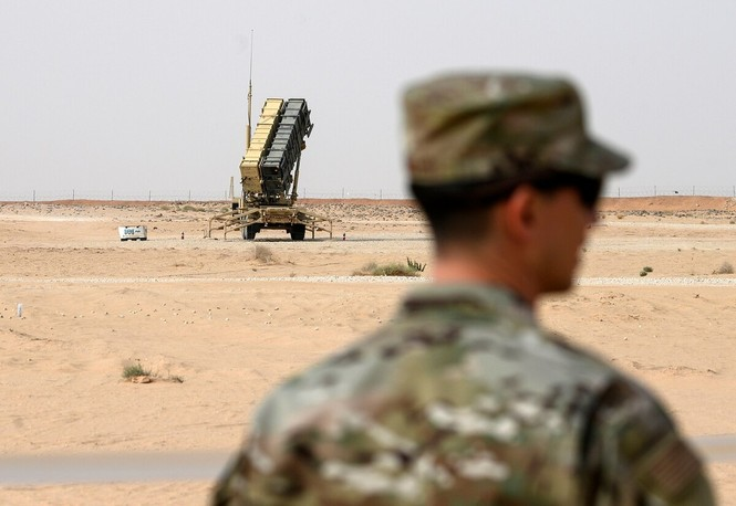 Mỹ bất ngờ rút hệ thống phòng thủ tên lửa Patriot khỏi Ả Rập Saudi - ảnh 1