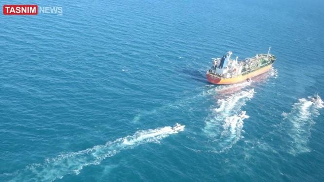 Hàn Quốc điều tàu chống cướp biển đến vịnh Ba Tư sau khi tàu chở dầu bị Iran bắt giữ - ảnh 3