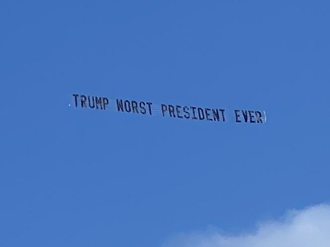 Ông Trump bị cư dân Florida chế nhạo ngay tại tư dinh - ảnh 1