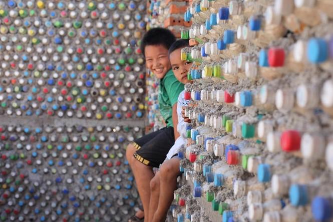 Cận cảnh ngôi nhà toàn bằng chai nhựa trên đảo Bé Lý Sơn - ảnh 10
