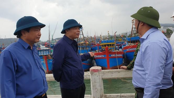 Bộ trưởng Nguyễn Xuân Cường: Bão có đường đi và tốc độ cực kỳ nguy hiểm, không được chủ quan!  - ảnh 3