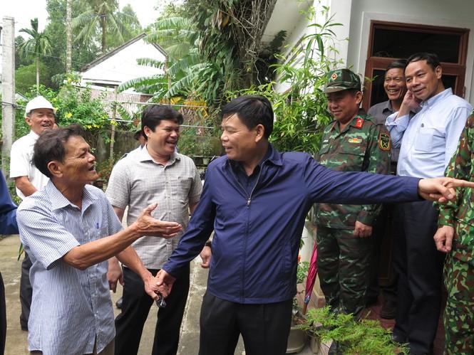 Bộ trưởng Nguyễn Xuân Cường: Bão có đường đi và tốc độ cực kỳ nguy hiểm, không được chủ quan!  - ảnh 2