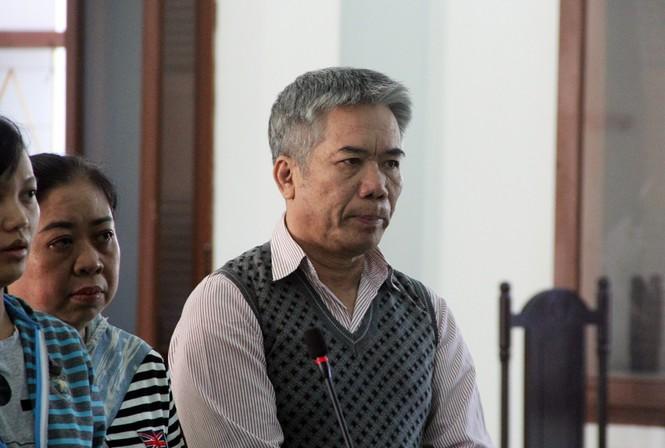 Cựu Chánh án tỉnh Phú Yên hầu tòa - ảnh 2