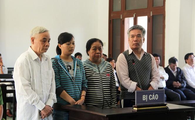 Cựu Chánh án tỉnh Phú Yên hầu tòa - ảnh 1