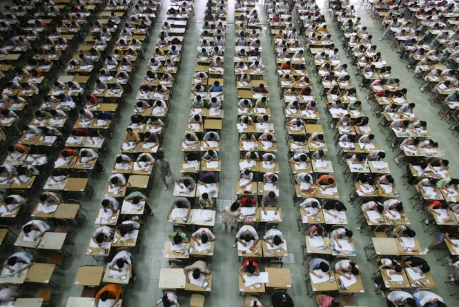 COVID-19 ảnh hưởng mạnh mẽ đến kì thi tốt nghiệp THPT ở các quốc gia khác như thế nào?  - ảnh 2