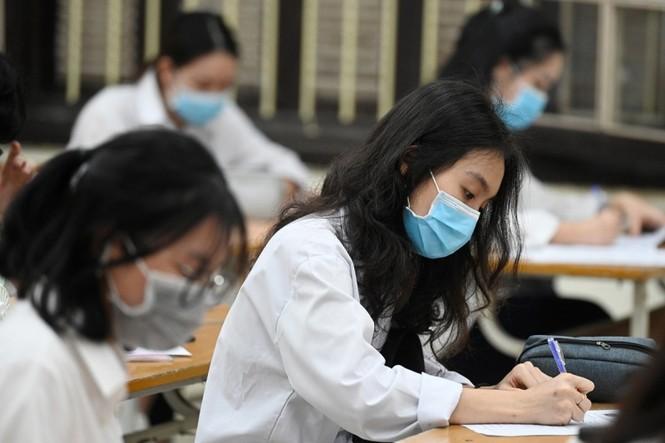 Những sự kiện giáo dục nổi bật 2020: Học sinh Việt Nam đã đi qua mùa dịch như thế nào? - ảnh 2