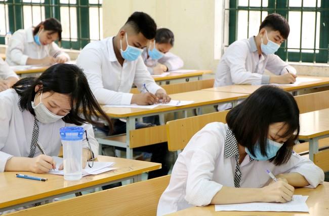 Nhìn lại 2020: Học sinh Việt đã vượt qua những sự kiện chưa từng có tiền lệ như thế nào? - ảnh 1