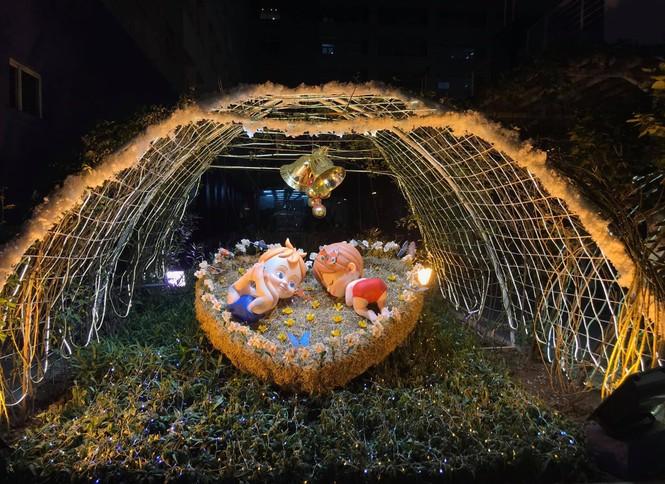 Đại học Thăng Long chuẩn bị Giáng sinh sớm cho sinh viên tha hồ sống ảo - ảnh 13