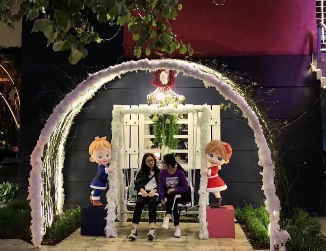 Đại học Thăng Long chuẩn bị Giáng sinh sớm cho sinh viên tha hồ sống ảo - ảnh 7
