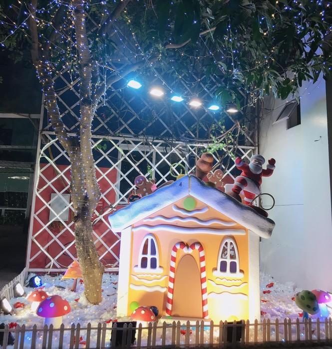 Đại học Thăng Long chuẩn bị Giáng sinh sớm cho sinh viên tha hồ sống ảo - ảnh 8