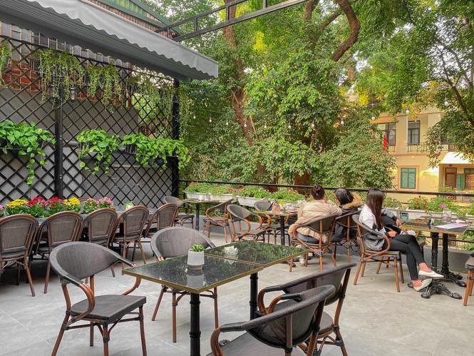Hà Nội Phố: Hẹn hò cuối năm tại những quán cà phê được decor xinh hết nấc - ảnh 5