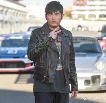 """Netizen ngỡ ngàng trước hình ảnh phát tướng của """"Thiên vương"""" Châu Kiệt Luân - ảnh 4"""