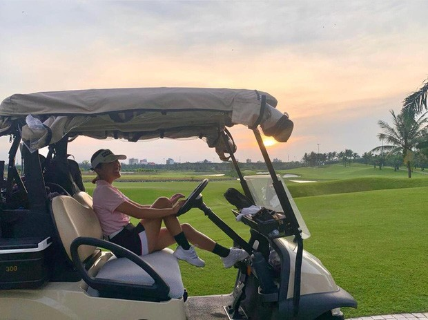 """Dàn mỹ nhân V-Biz nhập hội chơi golf đọ sắc vóc thân thái đầy """"chanh sả"""" - ảnh 9"""