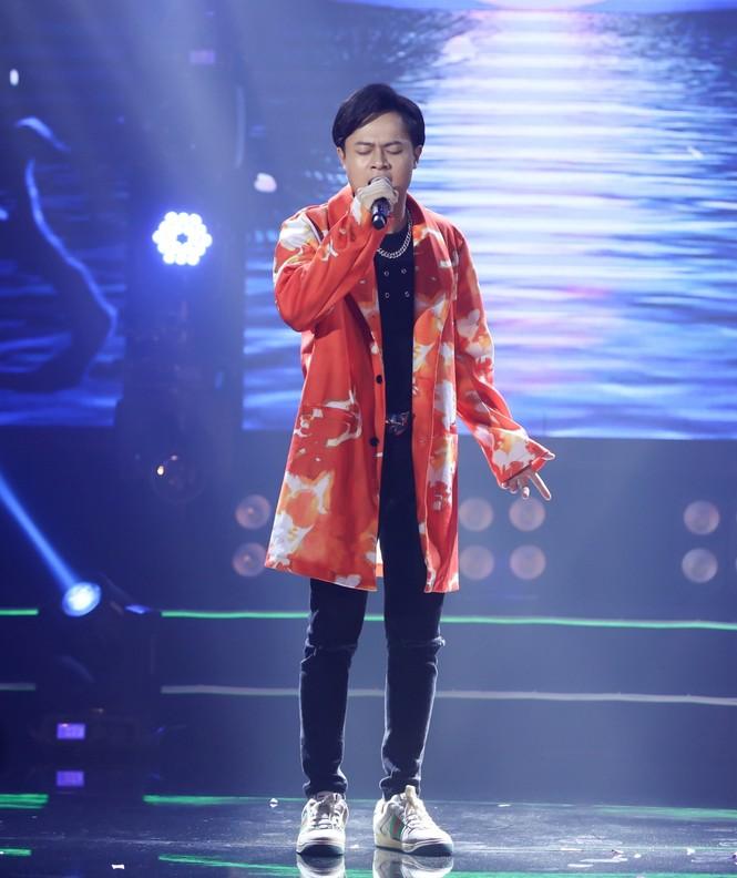 """Hiền Hồ đẹp lung linh, lần đầu hát live siêu ngọt với """"Gặp nhưng không ở lại"""" - ảnh 5"""