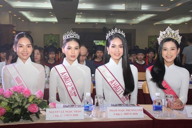 Hoa hậu Đỗ Thị Hà và các Á hậu cùng lan tỏa thông điệp tích cực cho các tân thủ khoa - ảnh 2