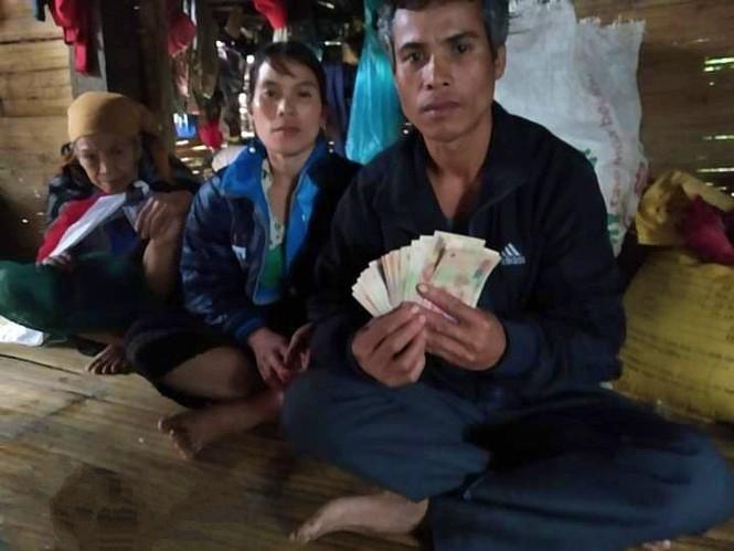 Dân mạng rần rần ca ngợi hành động trả lại tiền trong đồ cứu trợ của người dân vùng lũ - ảnh 3