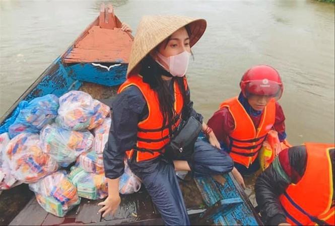 Thủy Tiên tặng bác nông dân 200 triệu trả ngân hàng: Một là cứu cả, hai là không... - ảnh 3