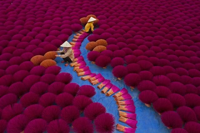 Sửng sốt với những bức ảnh về Việt Nam tại giải ảnh quốc tế hàng đầu thế giới - ảnh 1